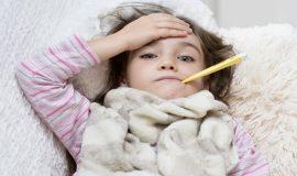 Trẻ bị cảm cúm tắm lá gì cho mau khỏi bệnh?